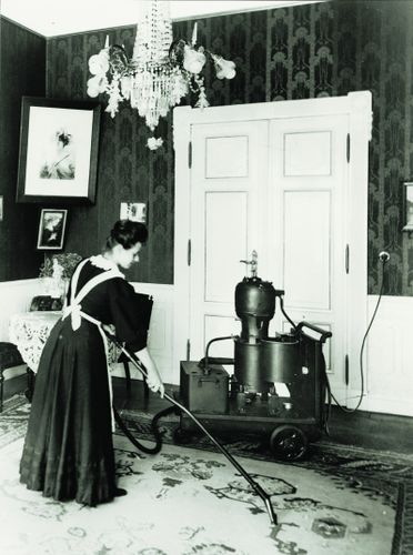 Dedusting Pumps The First Mobile Vacuum Cleaners Bsh Wiki